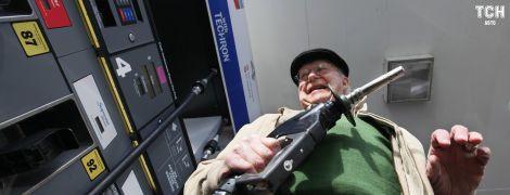 Эксперт поделился прогнозом относительно цен на бензин и дизтопливо в Украине