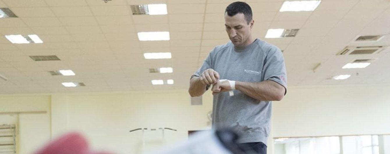Володимир Кличко знову надягнув боксерські рукавички