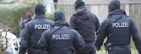 У Німеччині перевдягнені в поліцейських бандити забрали в українців 15 тисяч євро
