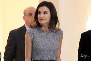 В элегантном сером: королева Летиция продемонстрировала новый образ