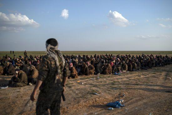 """У Сирії здалися півтисячі бойовиків """"Ісламської держави"""""""