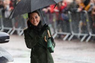 У зелених відтінках: витончена герцогиня Кембриджська з чоловіком прибула до Блекпула