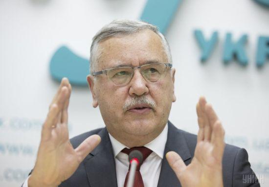 Гриценко заявив про жорстоке побиття поліцією перехожого у Вінниці, постраждалий у реанімації