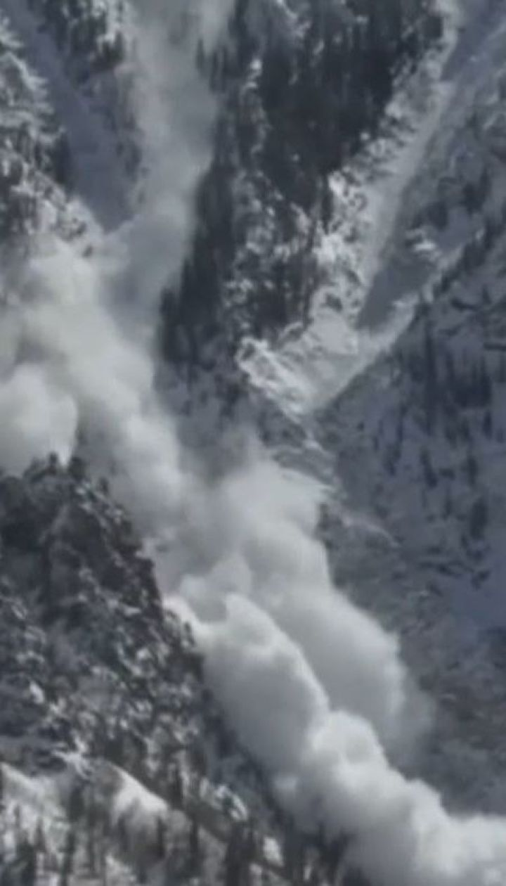 У Норвегії лавина зійшла на гірське селище