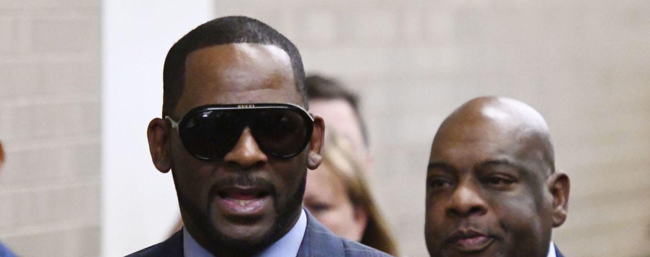 Не только за изнасилование: певец R. Kelly снова попал в тюрьму