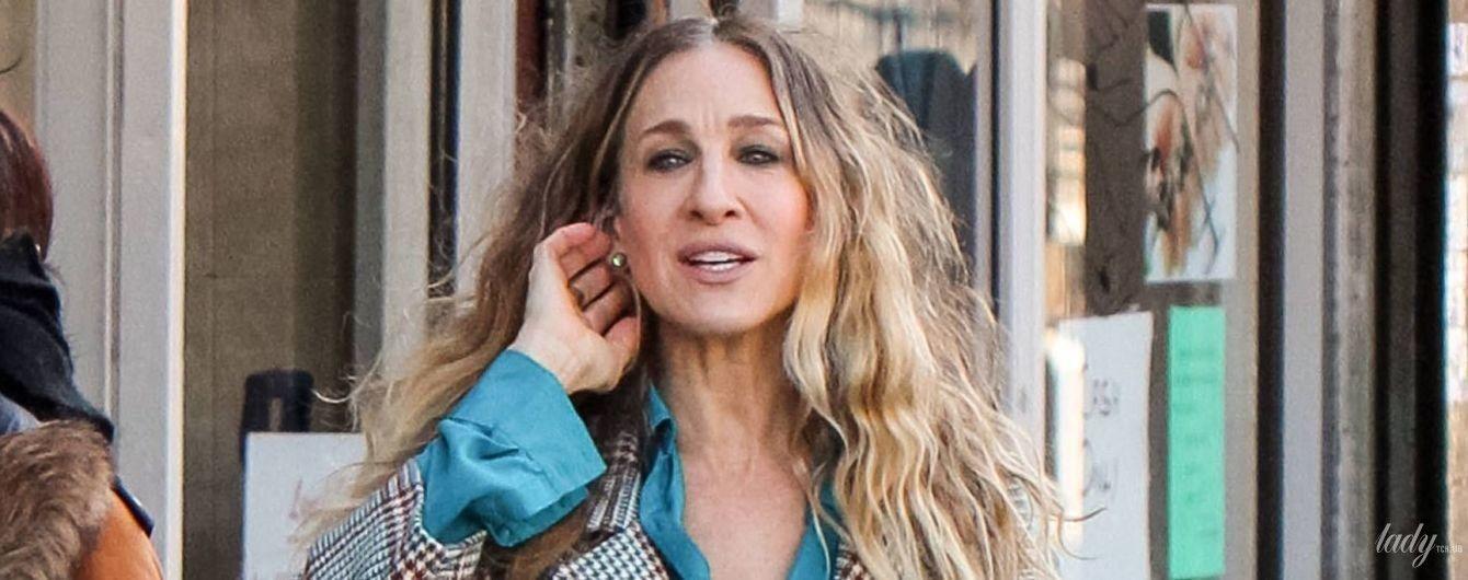 В пальто и высоких сапогах: Сара Джессика Паркер на съемках сериала в Нью-Йорке