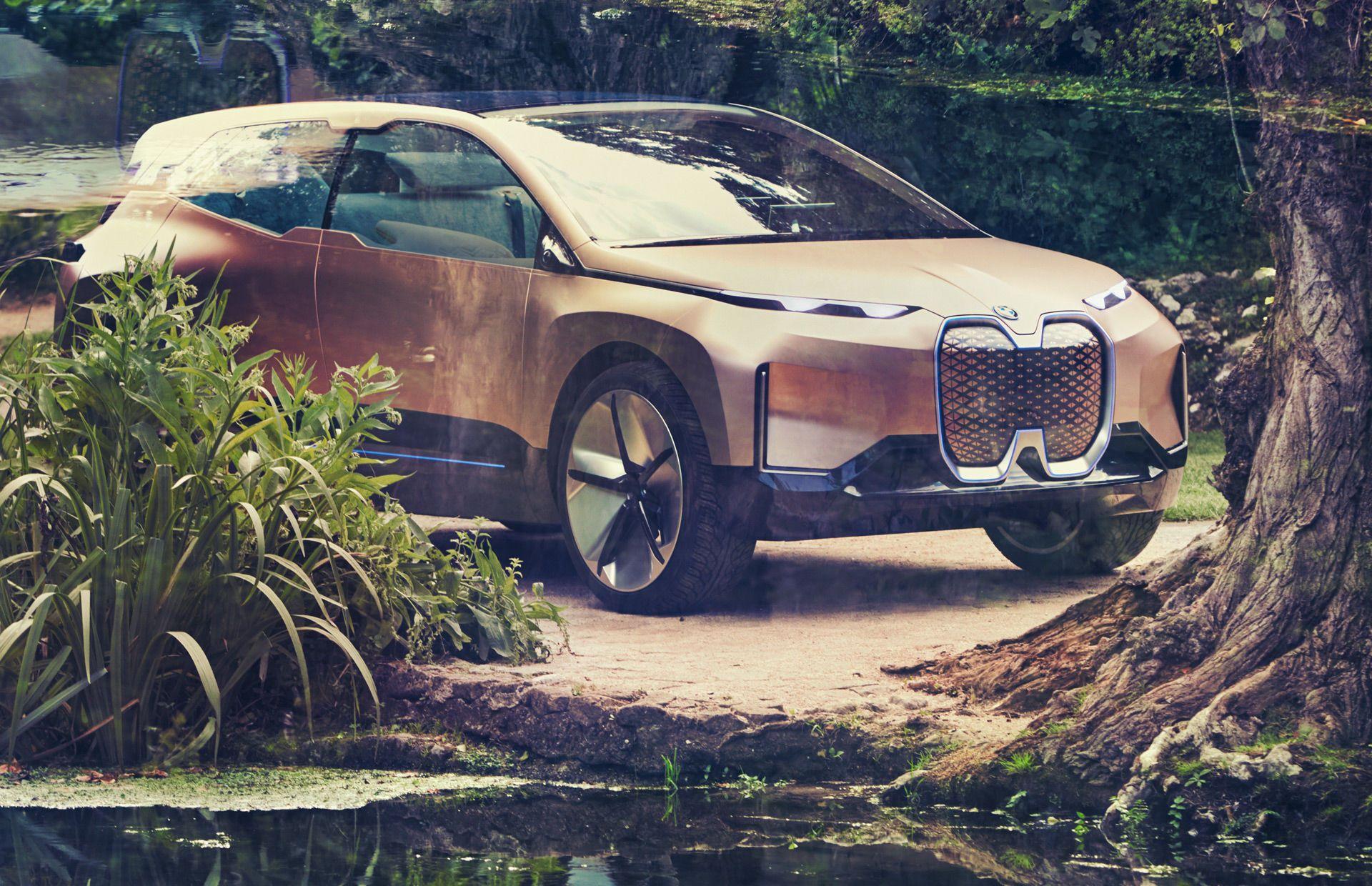 BMW iNext_8