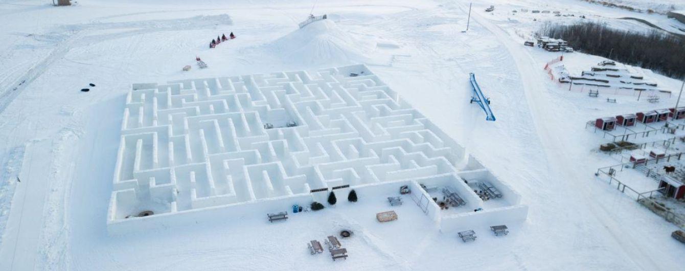 В Канаде создали самый большой снежный лабиринт в мире