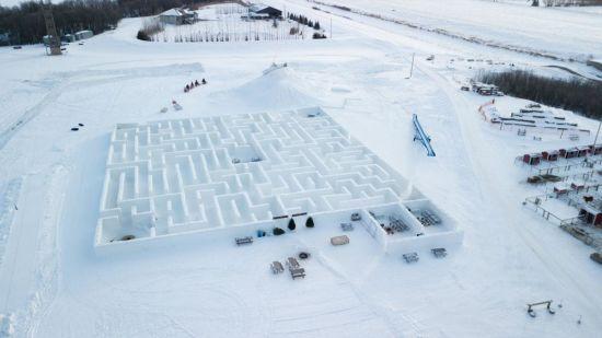 У Канаді створили найбільший сніговий лабіринту світі