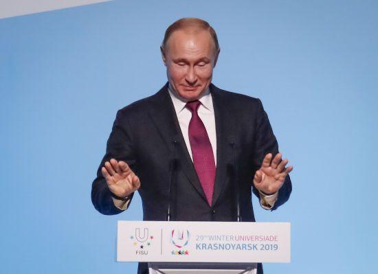 Путін у розмові з Макроном і Меркель жалівся на закон про мову і обговорив зміну владу в Україні