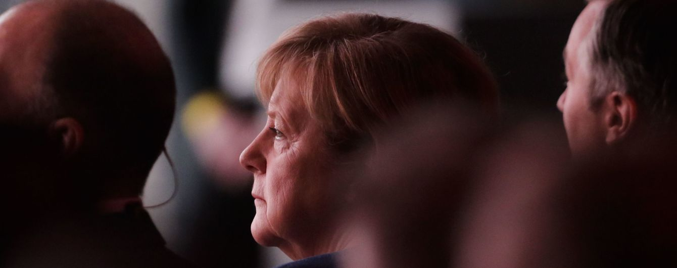 Меркель відмовила США у здійснені маневрів кораблями поблизу окупованого Криму – Bloomberg