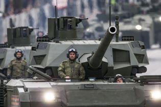 """Ноу-хау по-российски: разрекламированный танк """"Армата"""" оборудовали туалетом"""