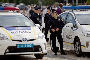 Дерзкое нападение на патруль в Киеве: жизнь полицейской вне угрозы