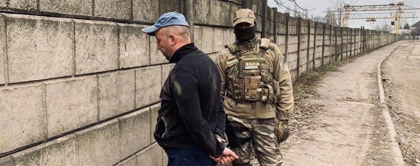 На Закарпатье полиция задержала группу преступников, которые сбывали метамфетамин из Венгрии