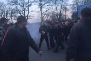 П'ятеро силовиків постраждали внаслідок сутичок із Нацкорпусом у Черкасах