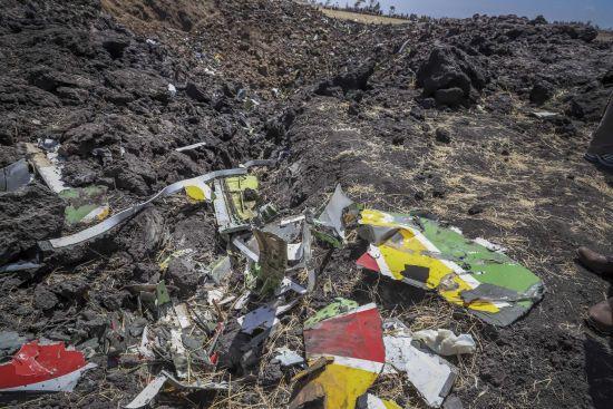 Авіакатастрофа в Ефіопії: з'явилися перші фото з місця події
