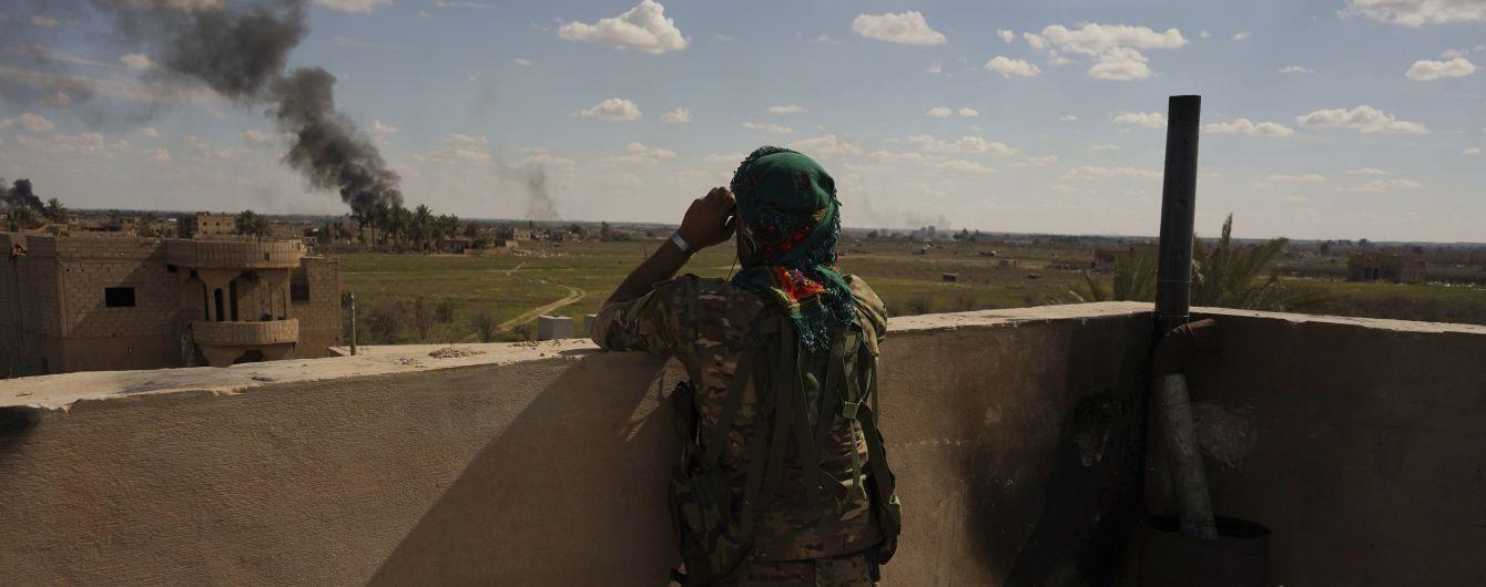 """Курди відновили наступ на останній прихисток """"Ісламської держави"""" у Сирії"""