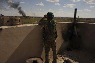 Курды подожгли нефтяные скважины на севере Сирии