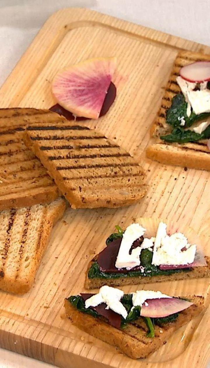Легкі весняні бутерброди зі шпинатом від Руслана Сенічкіна
