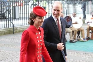 Така яскрава: герцогиня Кембриджська з принцом Вільямом прибули на службу до Вестмінстерського абатства