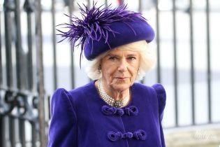 Почти как королева: герцогиня Корнуольская подражает Елизавете II