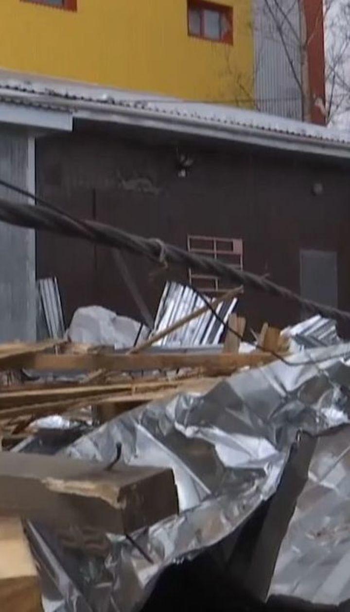 Одна женщина погибла после того, как на нее рухнула крыша из супермаркета