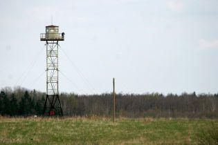 Латвия завершила строительство 93-километрового забора на границе с Россией