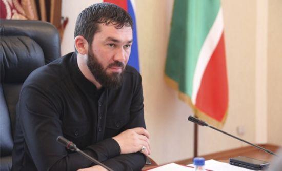 """""""Оголошую тобі кровну помсту"""". Спікер парламенту Чечні оголосив блогера ворогом - у Кадирова це заперечують"""