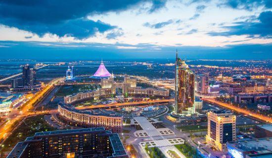У Казахстані розпочалися позачергові президентські вибори