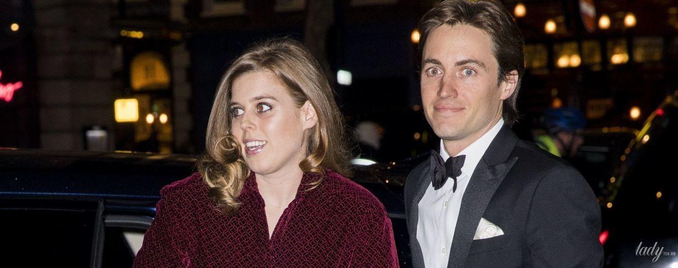 В дорогом платье: принцесса Беатрис впервые вышла в свет с новым возлюбленным