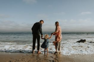 Приемные родители будут получать декретный отпуск