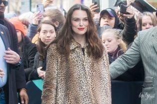 В леопардовой шубе и с красной помадой: эффектная Кира Найтли в Нью-Йорке