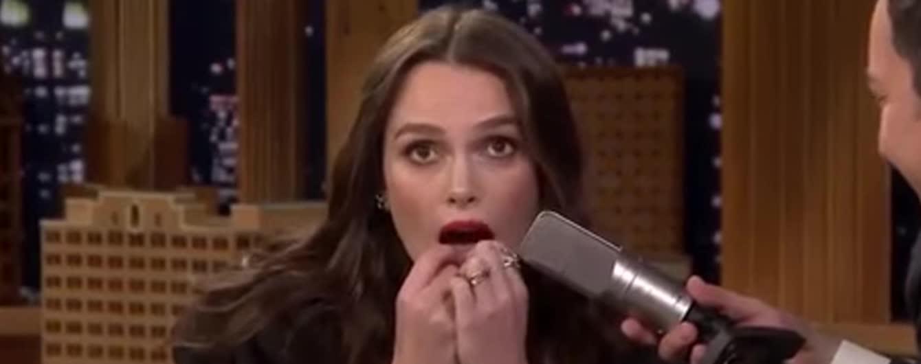 Неймовірний талант: Кіра Найтлі зіграла хіт Despacito на своїх зубах