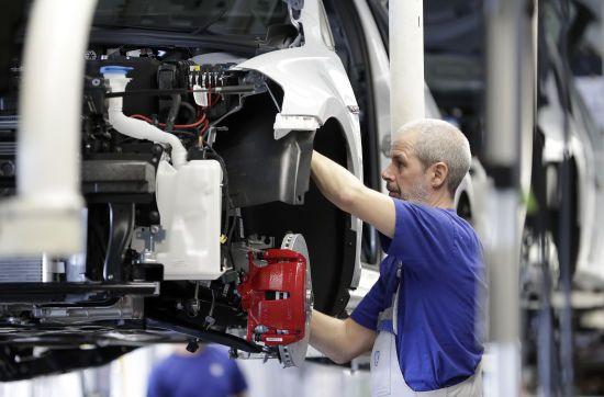 Українці активно їдуть на заробітки до Польщі: кількість зросла до 1,5 млн