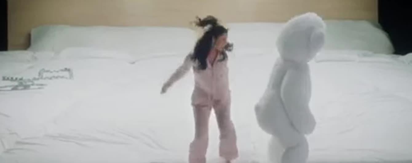 Життєрадісна Селена Гомес випустила перший кліп після повернення з лікарні