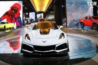 Безумная мощность нового Chevrolet Corvette ломает кузов спорткара