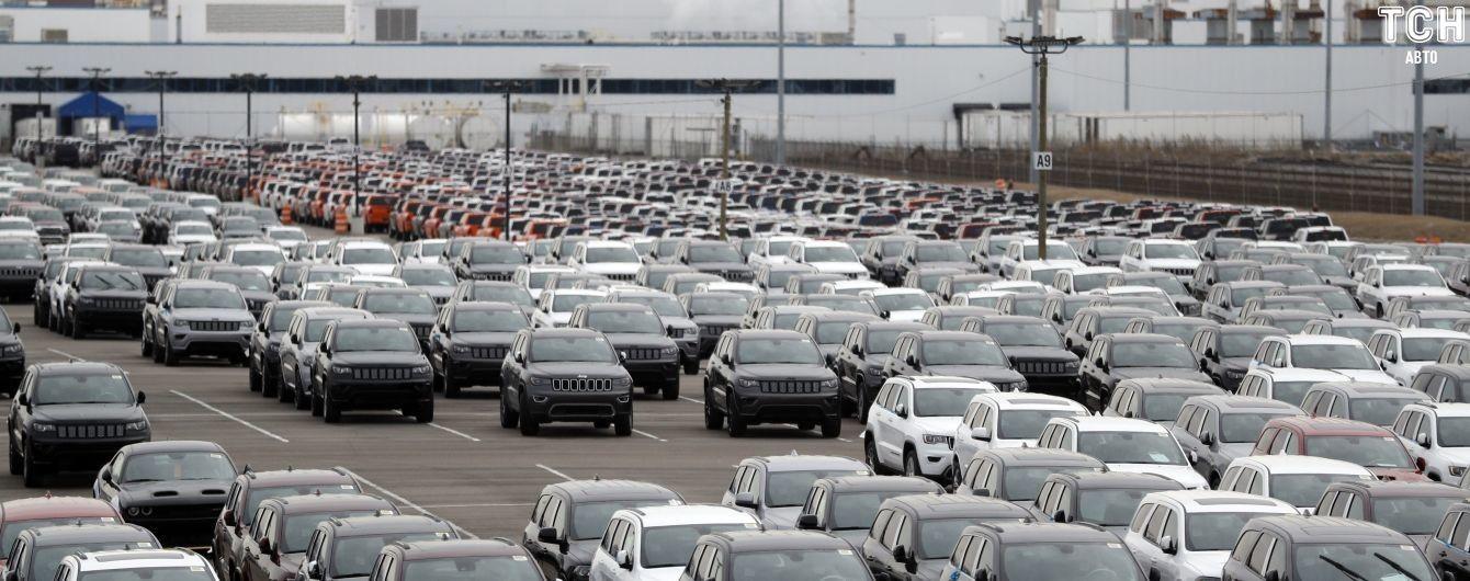 Fiat Chrysler відкликає сотні тисяч старих автомобілів у США