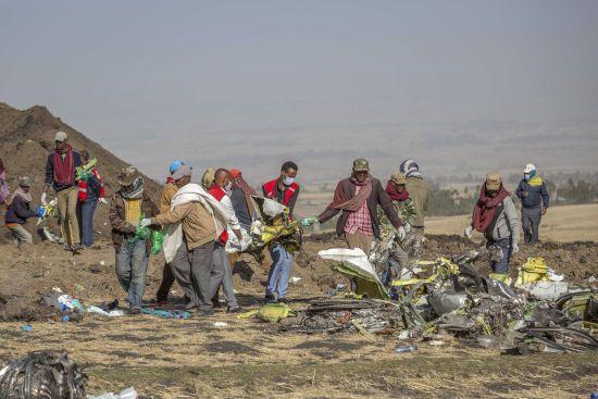 Авіакатастрофа в Ефіопії: чорні ящики розбитого літака відправили до Франції