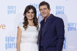 В белом платье и объятиях Бандераса: Пенелопа Крус на премьере фильма в Мадриде