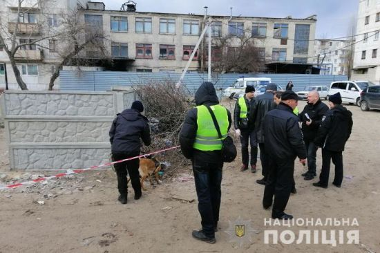 На Луганщині виявили труп новонародженого хлопчика у коробці з-під взуття