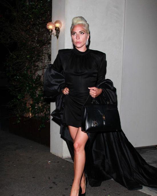 """""""Так, я вагітна"""": Леді Гага спантеличила прихильників заявою"""