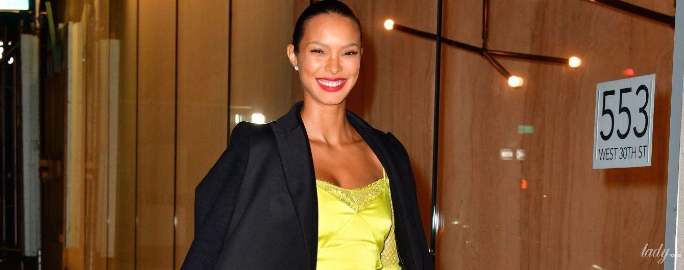 В сочном платье и на высоких шпильках: Лаис Рибейро сходила на вечеринку