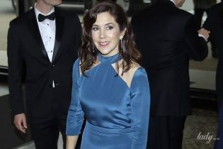 В вечернем платье на красной дорожке: кронпринцесса Мэри на торжественном приеме
