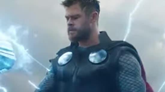 """Ностальгічні спогади та поява Капітана Марвел: у Мережі опублікували новий трейлер """"Месників"""""""