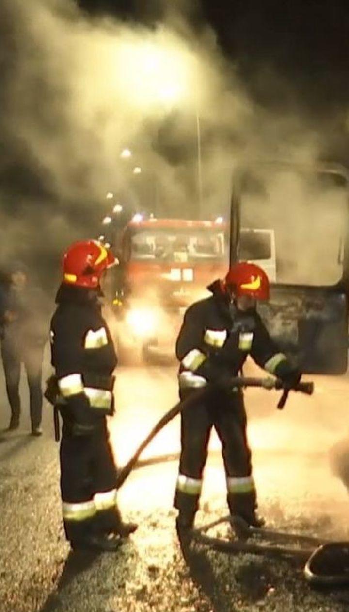"""На трассе """"Житомир - Могилев-Подольский"""" загорелся пассажирский автобус"""