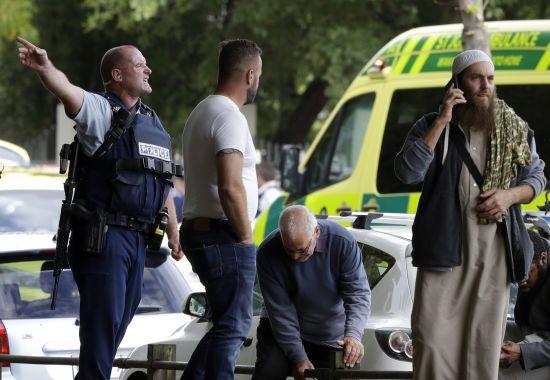 У Новій Зеландії в двох мечетях сталася стрілянина: від 9 до 27 загиблих