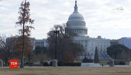 Сенат США выступил против чрезвычайного положения, введенного Трампом