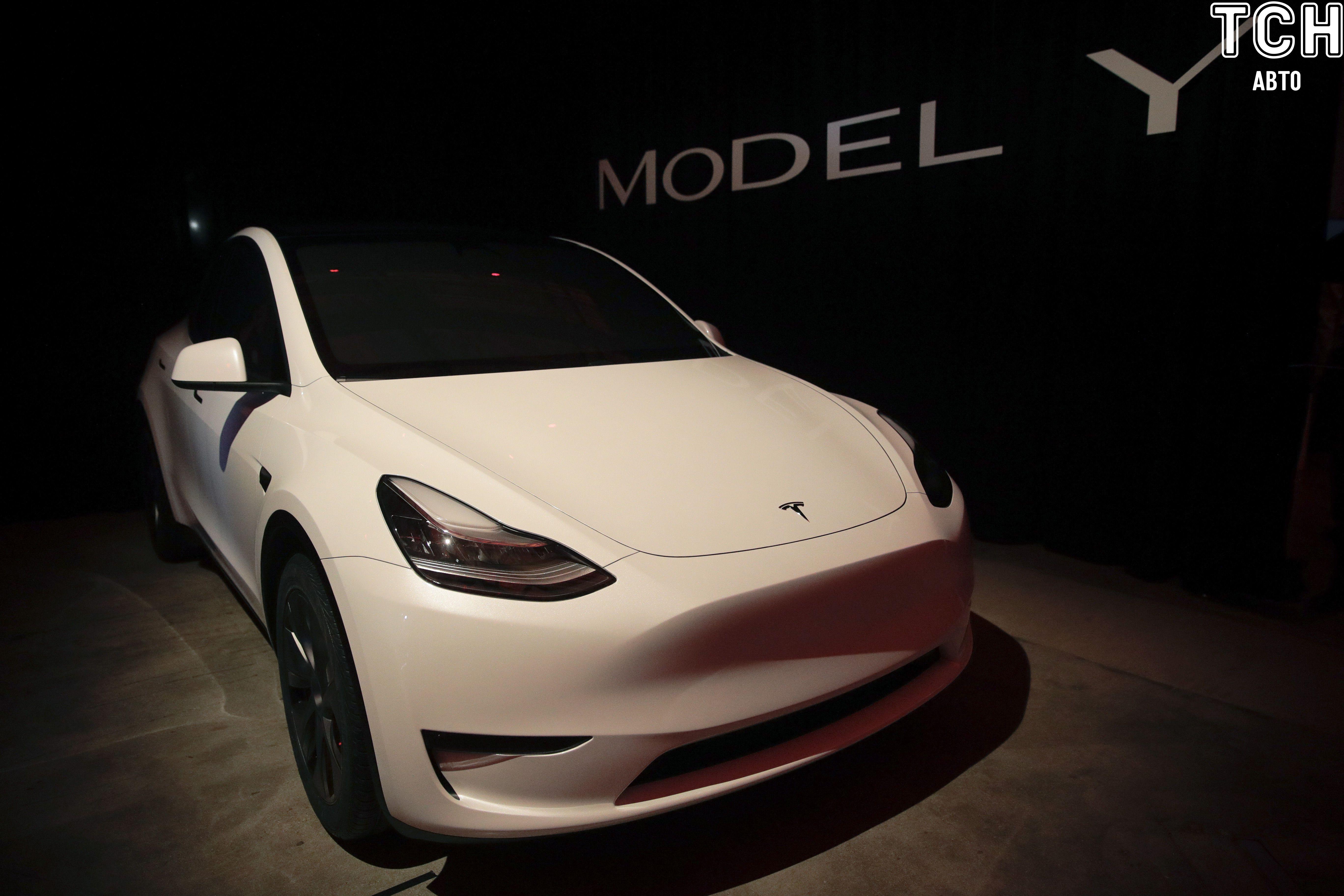 Tesla Model Y_7