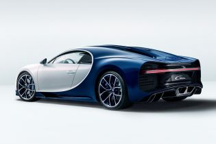"Bugatti планує створити ""бюджетний"" електрокар на базі Chiron"