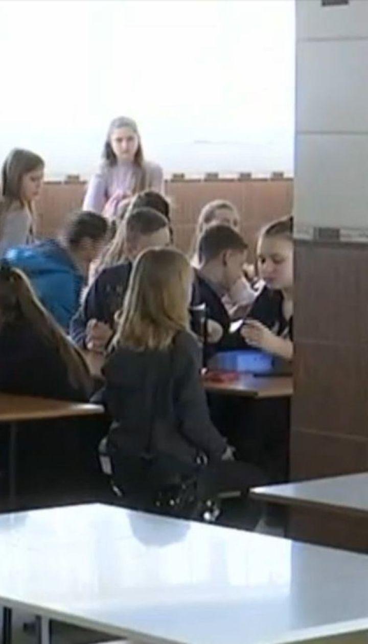Уже 14 дітей шпиталізовані внаслідок отруєння у Дніпрі
